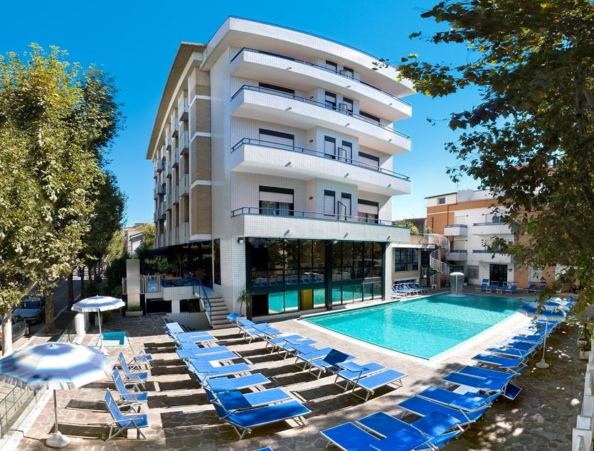 Hotel queen mary cattolica 3 stelle benessere wifi - Residence cattolica con piscina ...